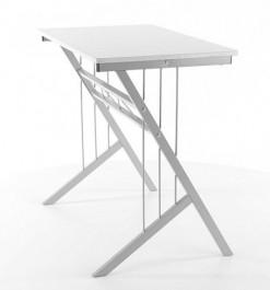 Białe biurko z aluminiowym stelażem B-120