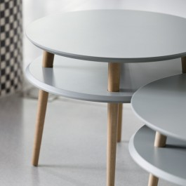 Stolik z drewnianymi nogami Ufo Medium