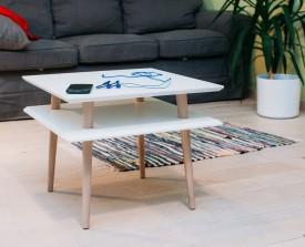 Stolik z drewnianymi nogami Square średni