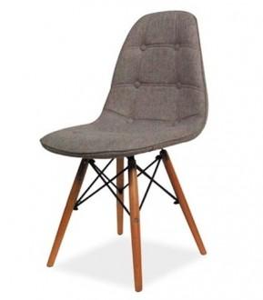 Pikowane krzesło na drewnianych nogach Axel II