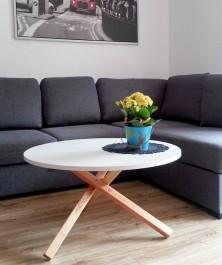 Stolik kawowy z okrągłym blatem Triple 80 w stylu skandynawskim