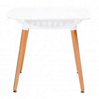 Kwadratowy stół na drewnianych nogach Hide Square