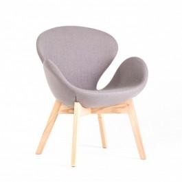 Tapicerowany fotel na dębowych nogach Andora