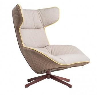 Pikowany fotel z miękkim siedziskiem i lamówką Piza