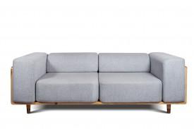 Nierozkładana sofa do salonu z miękkimi poduszkami U